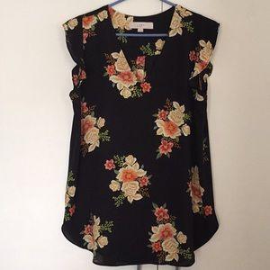 LOFT Floral Flutter Sleeve Blouse Size: M